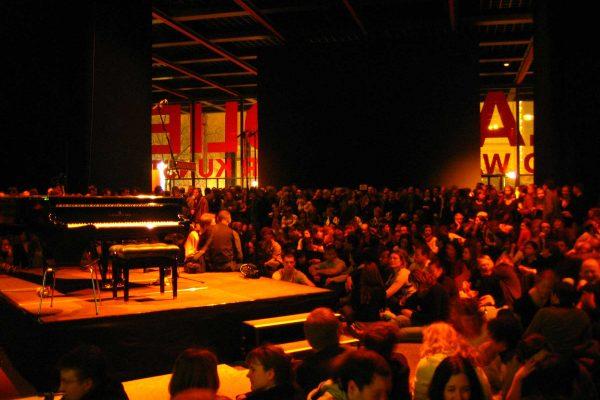 2006 Salon-Noir